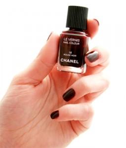 Vernis Chanel Rouge Noir numero 18