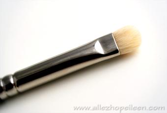 Le pinceau ombreur N°239 de chez M.A.C