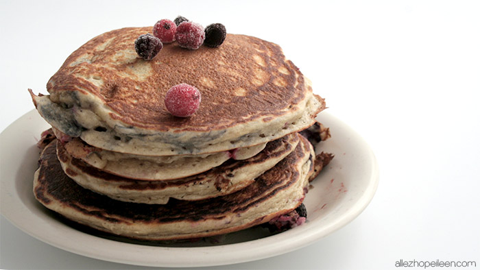recette-pancakes-hyperproteines-fruits-rouges-02