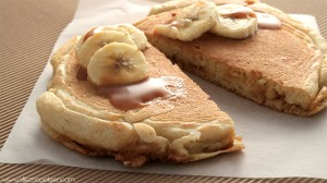 recette-pancakes-fourres-banane-caramel