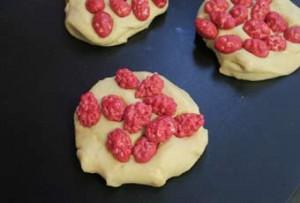 Recette brioche aux pralines roses - brioche de Saint Génix